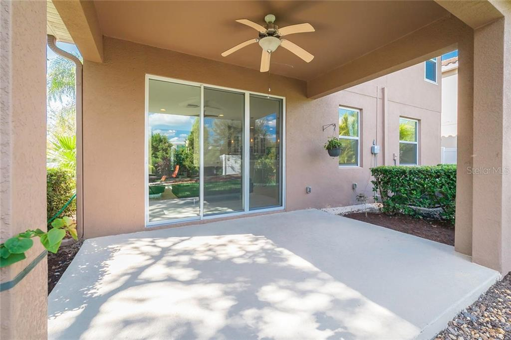 Single Family Home for sale at 2240 Ellarose Cir, Sarasota, FL 34232 - MLS Number is A4201668