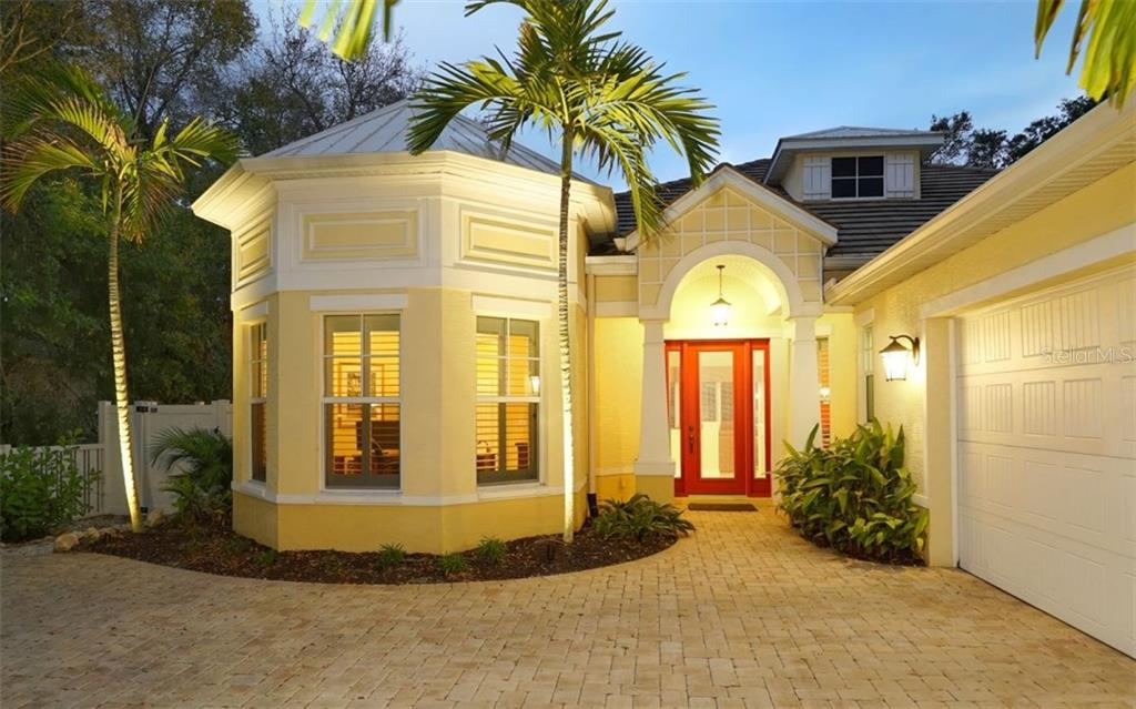 Exceptional night lighting - Single Family Home for sale at 1746 Hillview St, Sarasota, FL 34239 - MLS Number is A4202985