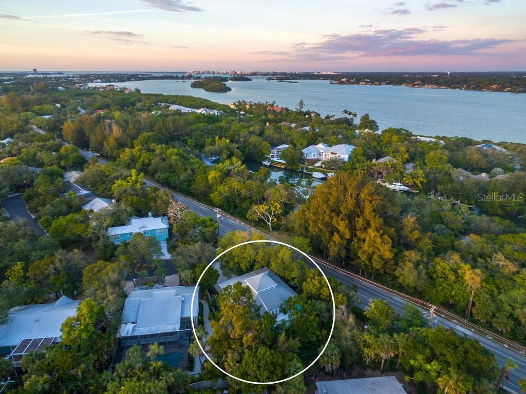 Less than 1 mile to Siesta Key beach! - Single Family Home for sale at 5194 Siesta Woods Dr, Sarasota, FL 34242 - MLS Number is A4206364