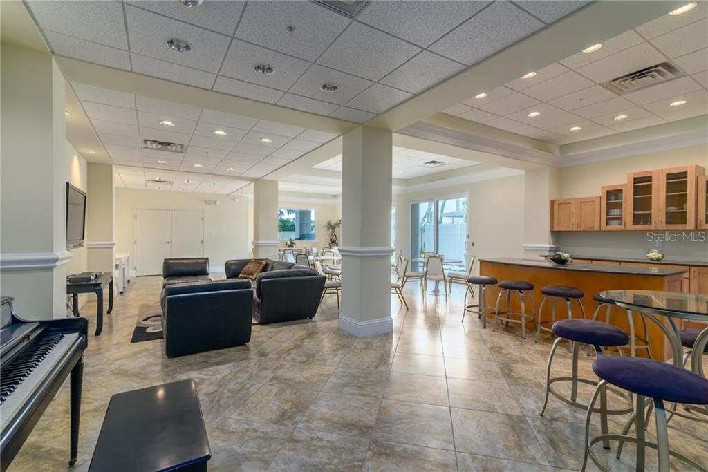 Social room - Condo for sale at 4822 Ocean Blvd #11d, Sarasota, FL 34242 - MLS Number is A4209955