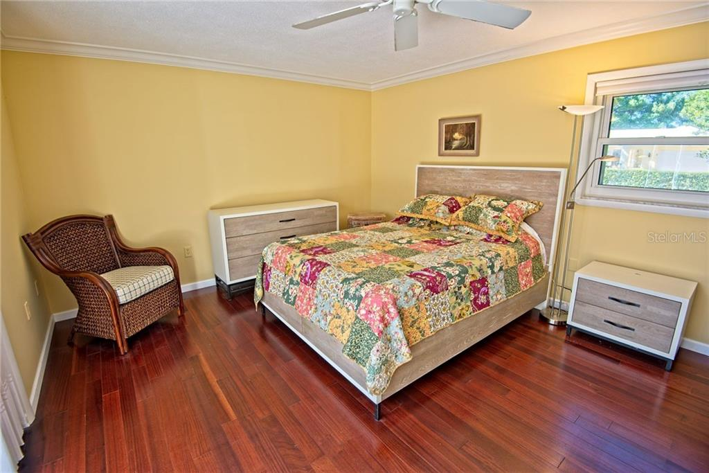 Master bedroom - Single Family Home for sale at 600 Wild Turkey Ln, Sarasota, FL 34236 - MLS Number is A4210585