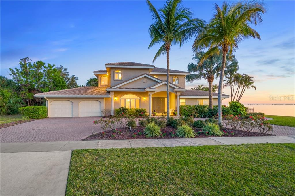 Mold & LBP Discl - Single Family Home for sale at 202 Gaines Ave, Sarasota, FL 34243 - MLS Number is A4210891