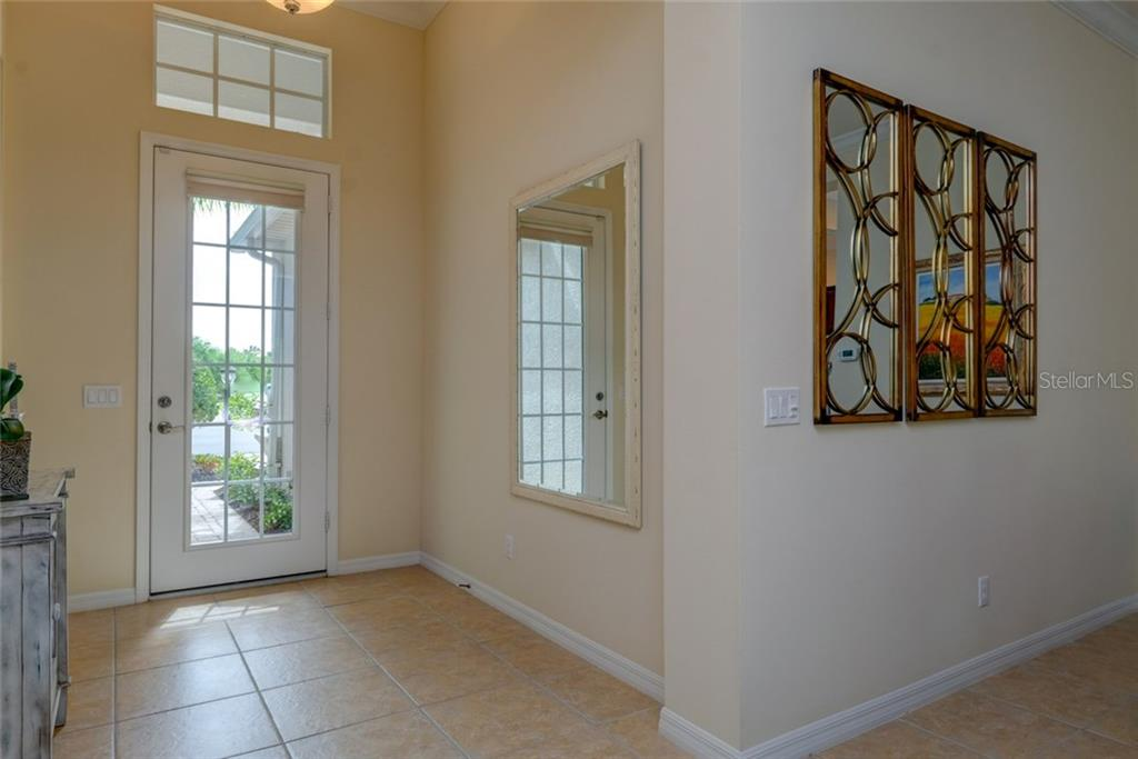 Single Family Home for sale at 12010 Thornhill Ct, Lakewood Ranch, FL 34202 - MLS Number is A4213911
