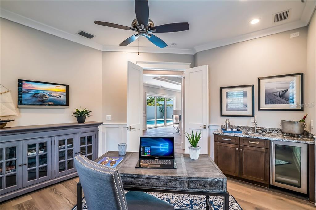 Office/Den & Wet Bar - Single Family Home for sale at 601 Triton Bnd, Longboat Key, FL 34228 - MLS Number is A4215179