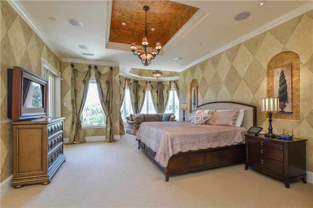 Master Bedroom - Single Family Home for sale at 506 Venice Ln, Sarasota, FL 34242 - MLS Number is A4402493