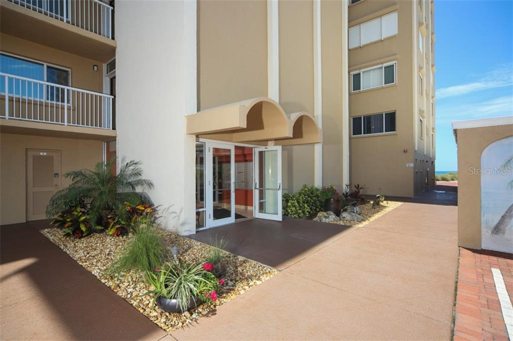Building lobby entrance requires key - Condo for sale at 5200 Gulf Dr #101, Holmes Beach, FL 34217 - MLS Number is A4404016