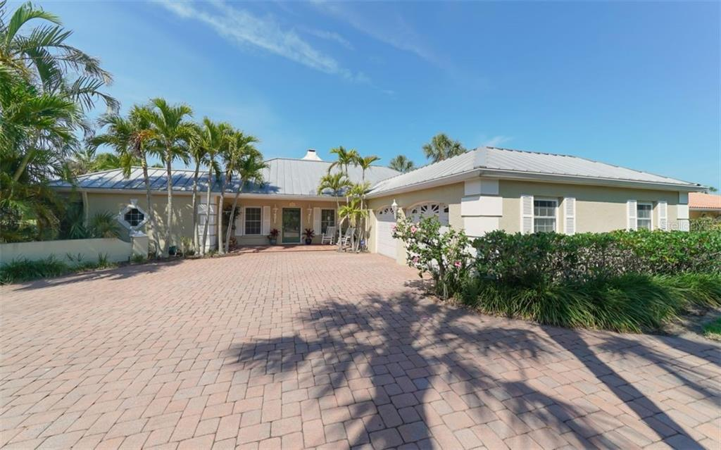 Single Family Home for sale at 4520 Woodside Rd, Sarasota, FL 34242 - MLS Number is A4404263