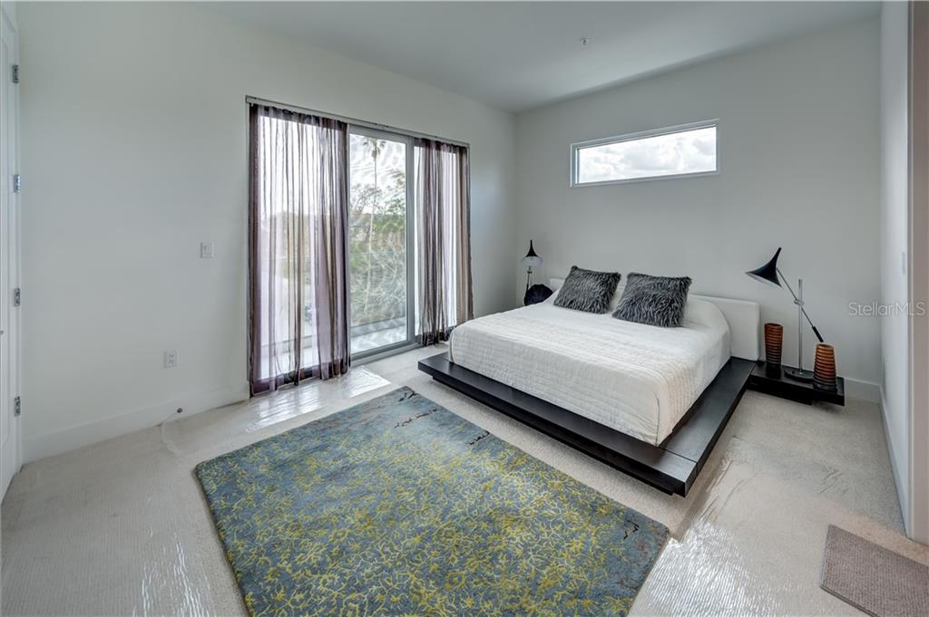 Master Bedroom - Townhouse for sale at 632 S Rawls Ave, Sarasota, FL 34236 - MLS Number is A4404361