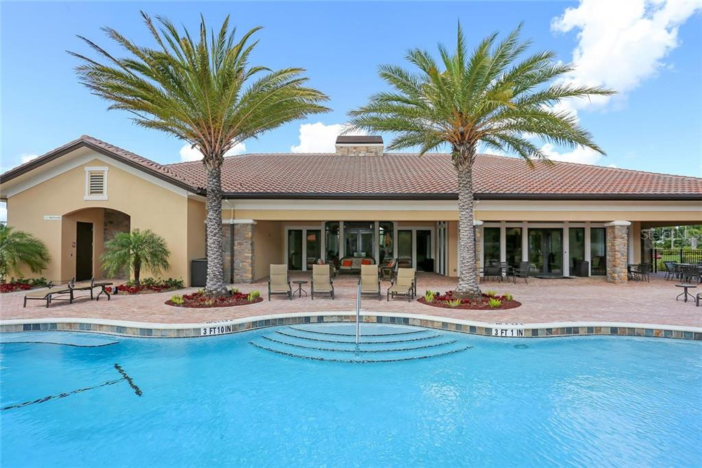 Single Family Home for sale at 2426 Vaccaro Dr, Sarasota, FL 34231 - MLS Number is A4405470