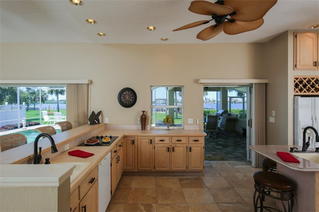 Fantastic views and lots of light in this over-sized kitchen - Single Family Home for sale at 1778 Bayshore Dr, Englewood, FL 34223 - MLS Number is A4405962