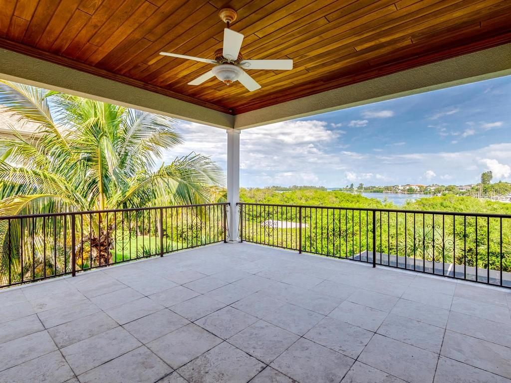 Single Family Home for sale at 7016 Hawks Harbor Cir, Bradenton, FL 34207 - MLS Number is A4406623