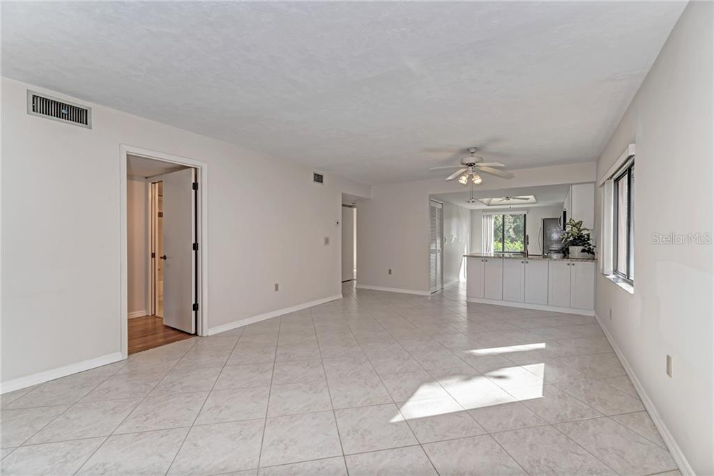 Guest Bathroom - Condo for sale at 7670 Eagle Creek Dr, Sarasota, FL 34243 - MLS Number is A4406667