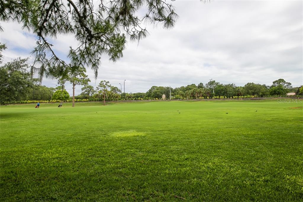 Golf Course Views - Villa for sale at 4472 Calle Serena, Sarasota, FL 34238 - MLS Number is A4407721