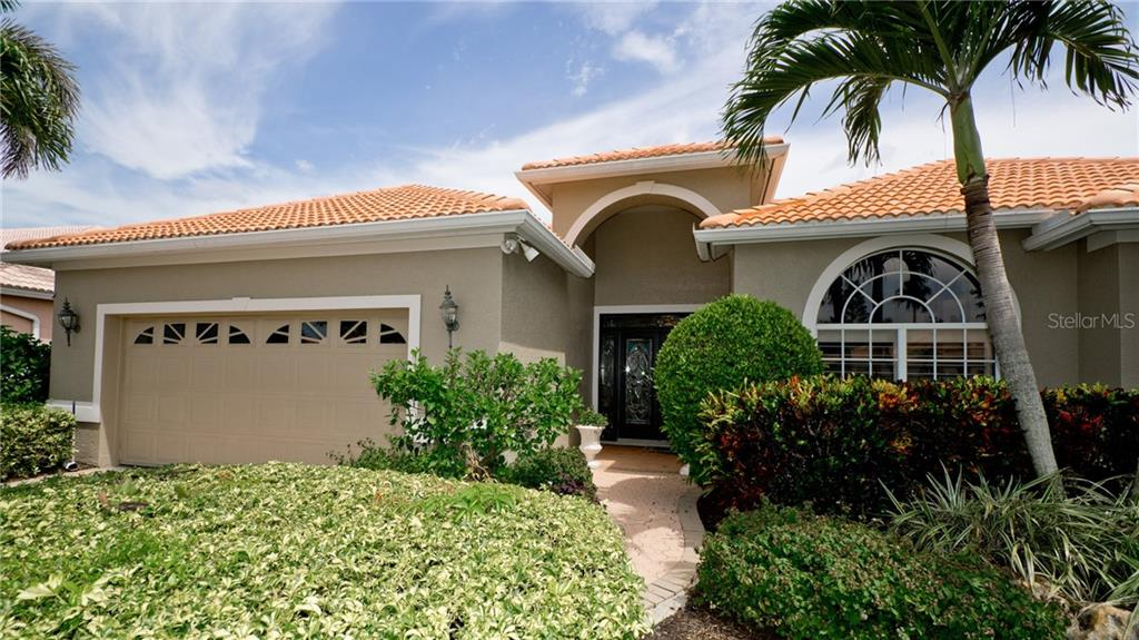 New Supplement - Single Family Home for sale at 5137 Far Oak Cir, Sarasota, FL 34238 - MLS Number is A4408002
