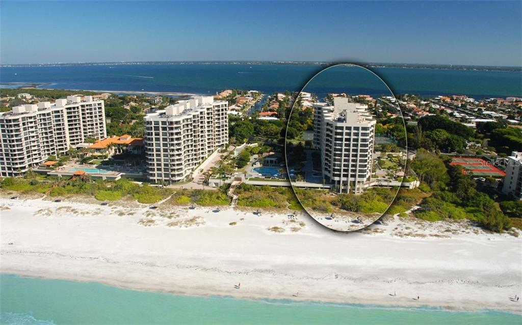 Living Room & Dinette Views - Condo for sale at 1211 Gulf Of Mexico Dr #705, Longboat Key, FL 34228 - MLS Number is A4410234