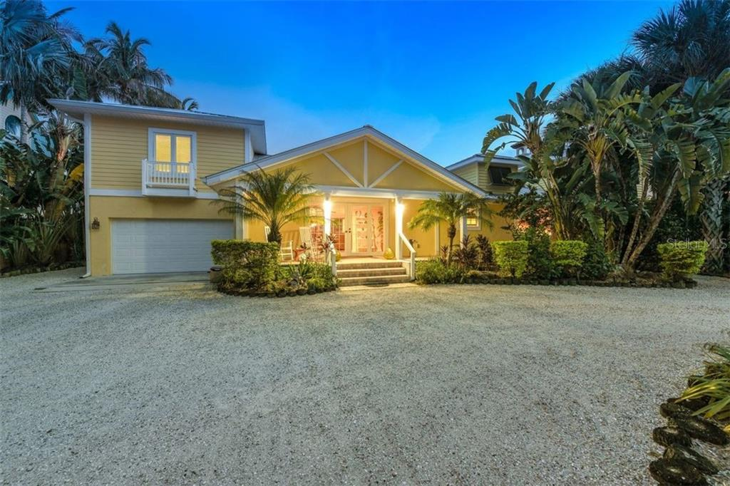 Lovely Curb Appeal in a Key West style - Single Family Home for sale at 417 Bayview Pkwy, Nokomis, FL 34275 - MLS Number is A4411087