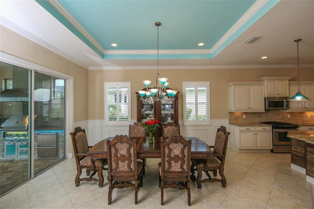 Single Family Home for sale at 1009 Lanyard Ct, Bradenton, FL 34208 - MLS Number is A4411665