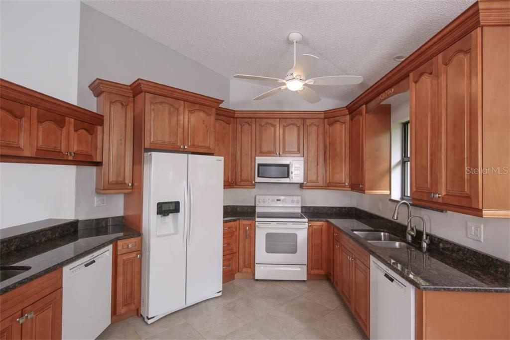 Recently renovated, gourmet or everyday is a dream! - Condo for sale at 1716 Starling Dr #204, Sarasota, FL 34231 - MLS Number is A4412237