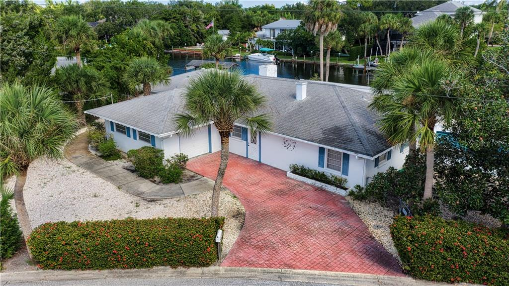 Single Family Home for sale at 549 Venice Ln, Sarasota, FL 34242 - MLS Number is A4413037
