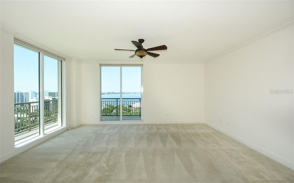 Condo for sale at 800 N Tamiami Trl #ph1717, Sarasota, FL 34236 - MLS Number is A4413289