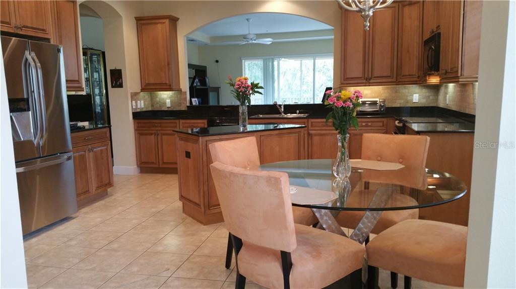 Kitchen - Condo for sale at 6516 Moorings Point Cir #202, Lakewood Ranch, FL 34202 - MLS Number is A4413295