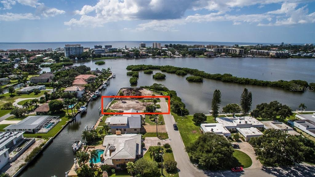 Aerial facing west - Vacant Land for sale at 1644 Meadowood St, Sarasota, FL 34231 - MLS Number is A4415359