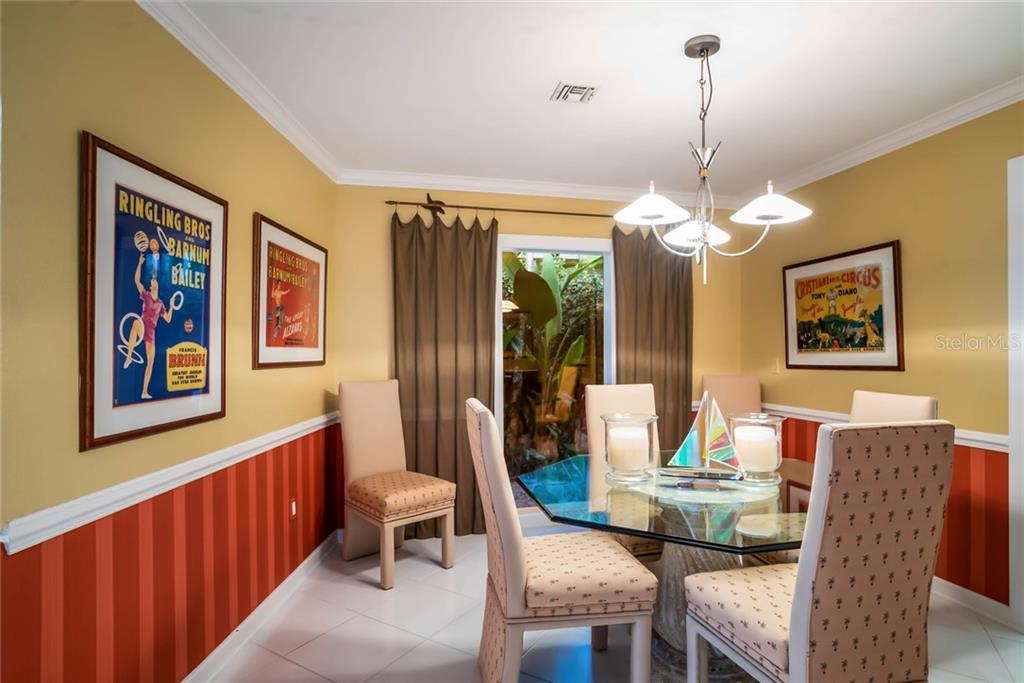 Dining room - Single Family Home for sale at 230 N Washington Dr, Sarasota, FL 34236 - MLS Number is A4415745