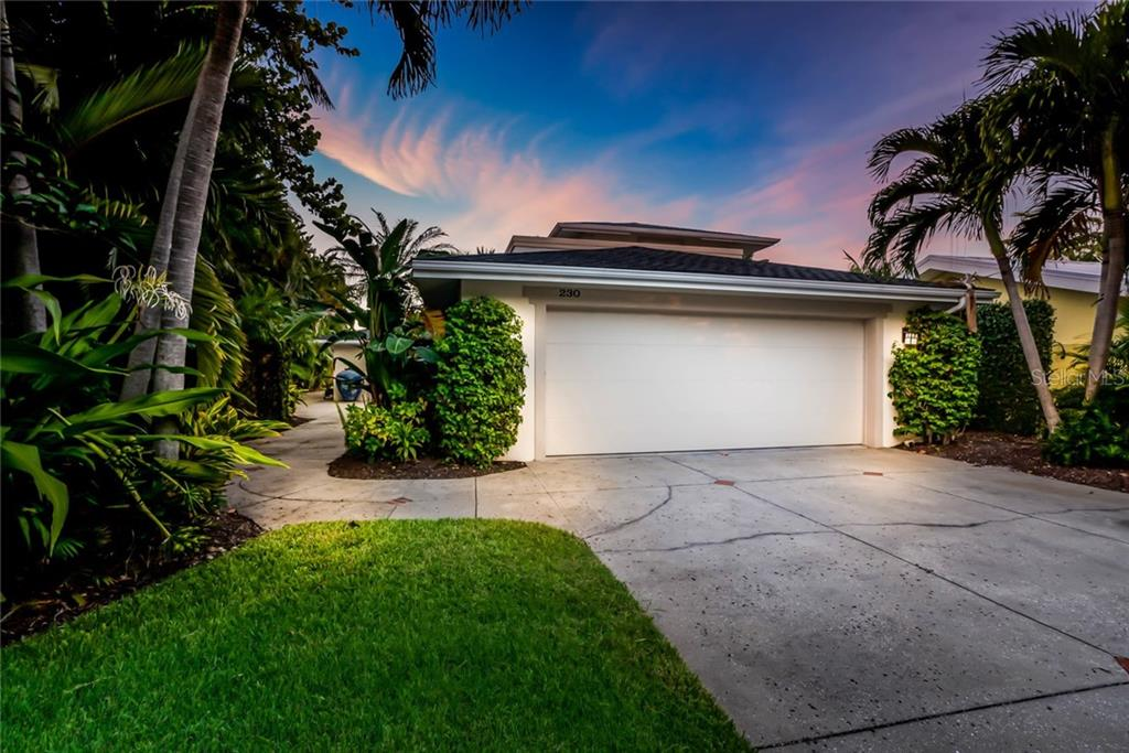 Front Driveway - Single Family Home for sale at 230 N Washington Dr, Sarasota, FL 34236 - MLS Number is A4415745