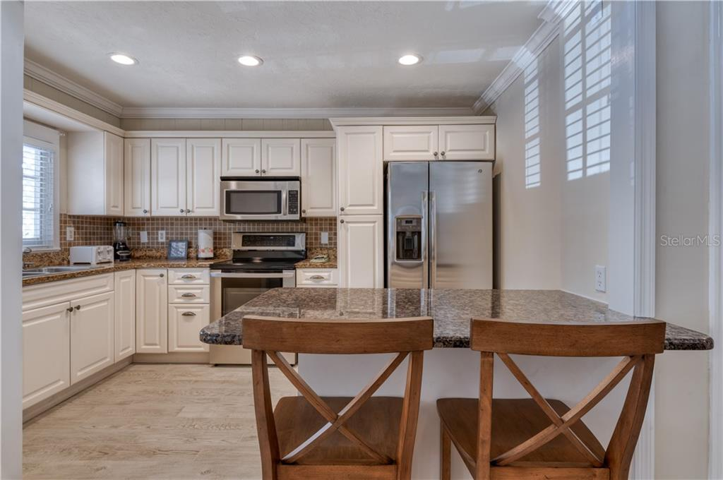 Buttonwood Kitchen - Single Family Home for sale at 1101-1105 Point Of Rocks Rd, Sarasota, FL 34242 - MLS Number is A4415890