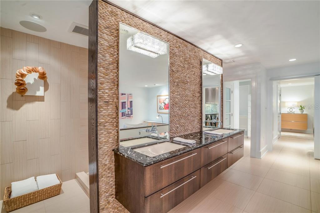 Master bath - Townhouse for sale at 222 Beach Rd #4, Sarasota, FL 34242 - MLS Number is A4416747