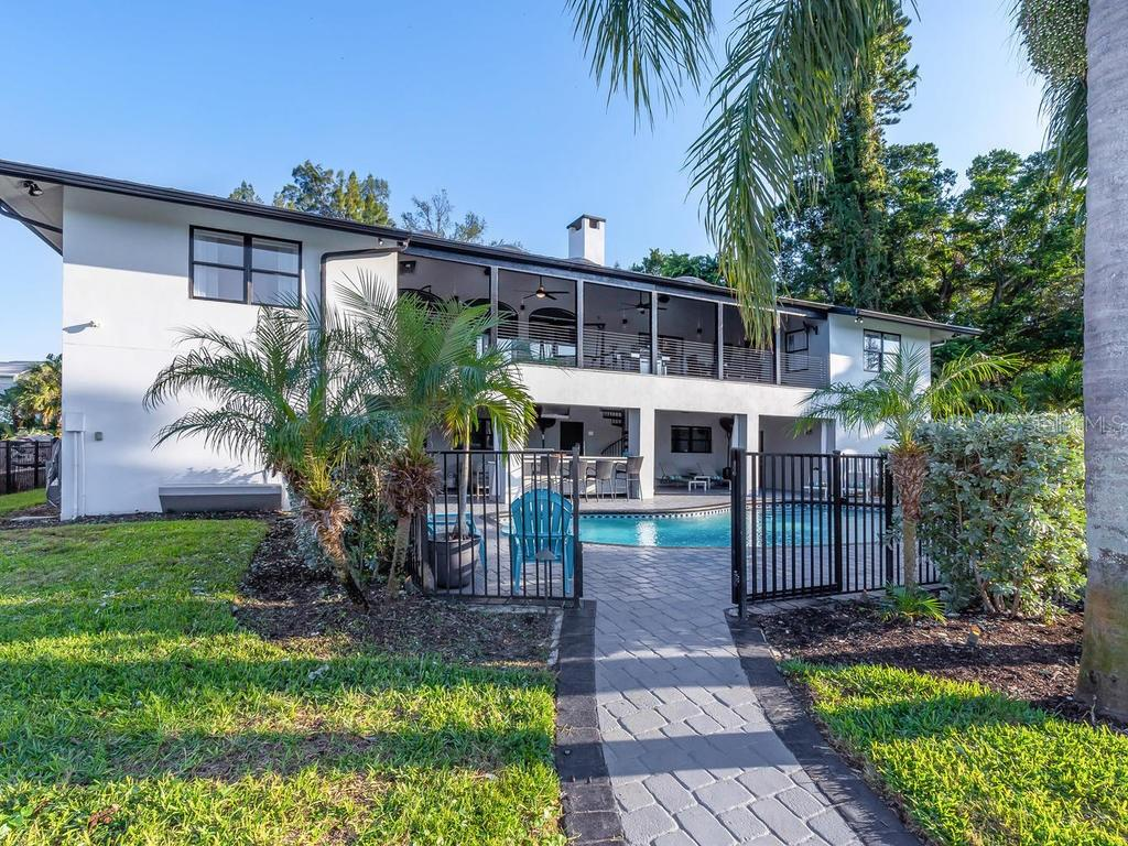 Single Family Home for sale at 767 Tropical Cir, Sarasota, FL 34242 - MLS Number is A4417258