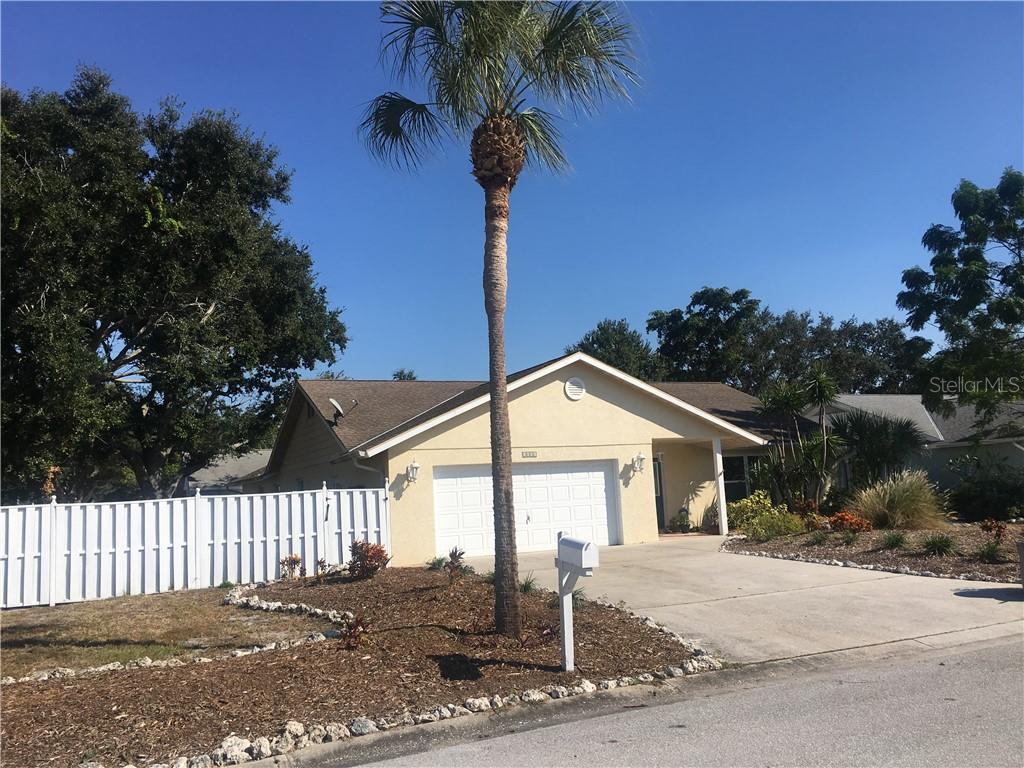 Corner location on dead end street in small NW subdivision of 14 houses. - Single Family Home for sale at 1611 82nd St Nw, Bradenton, FL 34209 - MLS Number is A4417607