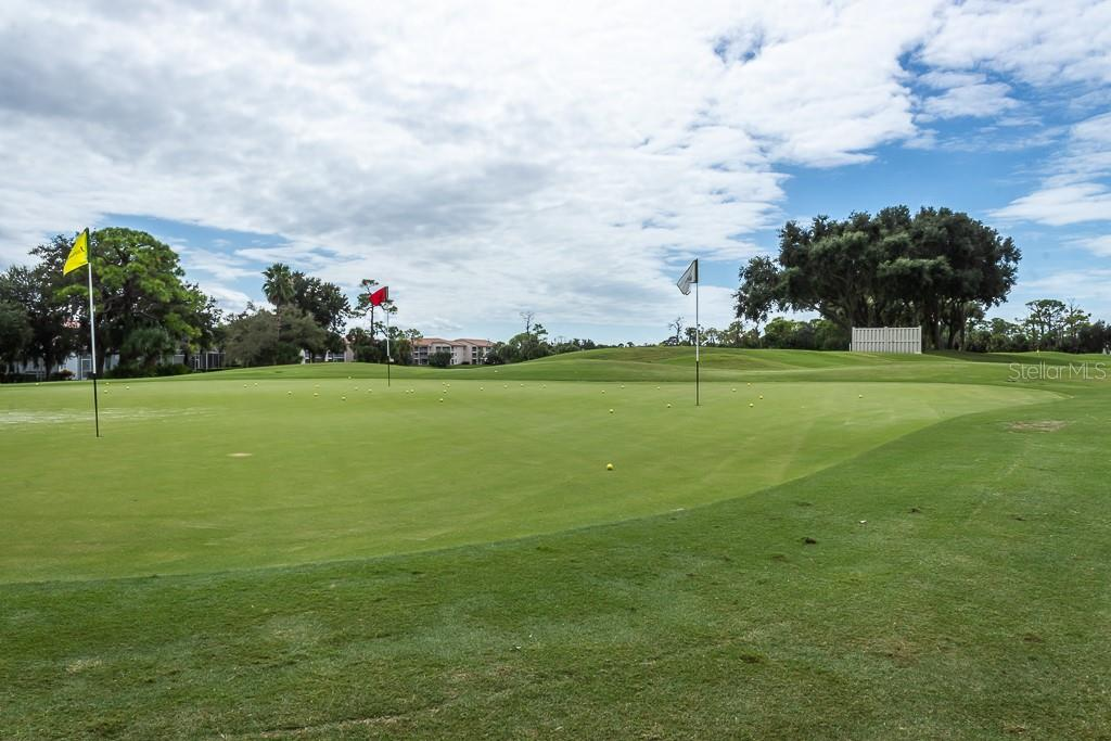 Practice putting green - Condo for sale at 9620 Club South Cir #5110, Sarasota, FL 34238 - MLS Number is A4418081
