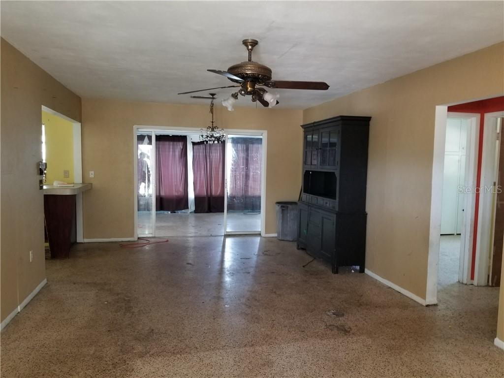Single Family Home for sale at 201 San Marco Dr, Venice, FL 34285 - MLS Number is A4418163