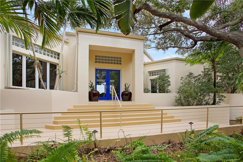 A warm, contemporary welcome! - Single Family Home for sale at 7259 Turnstone Rd, Sarasota, FL 34242 - MLS Number is A4418410