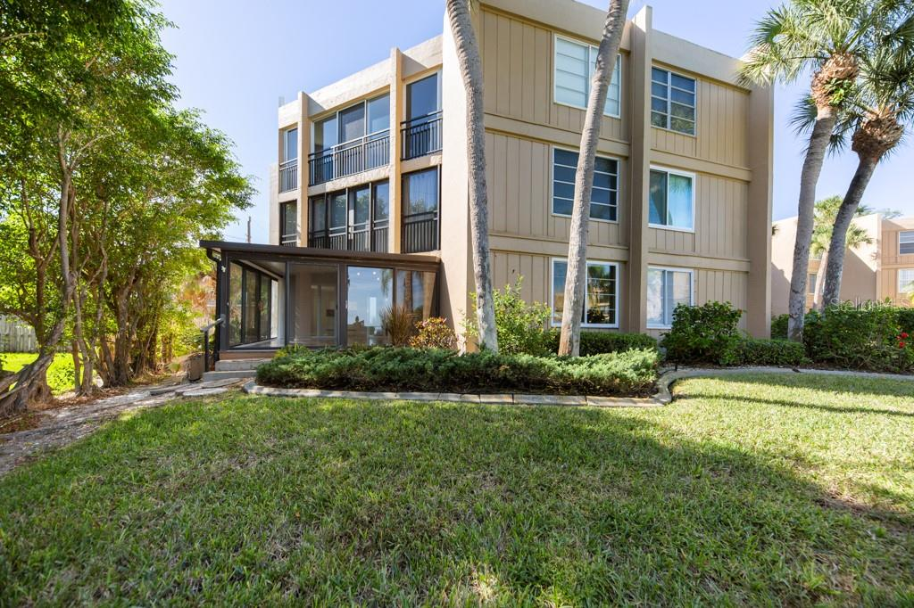There is you unique corner room nobody else has. - Condo for sale at 450 Gulf Of Mexico Dr #b107, Longboat Key, FL 34228 - MLS Number is A4418457