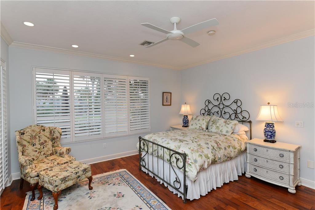 Single Family Home for sale at 536 Yawl Ln, Longboat Key, FL 34228 - MLS Number is A4420646