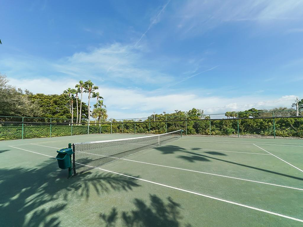 Tennis Courts - Condo for sale at 2399 Gulf Of Mexico Dr #3c3, Longboat Key, FL 34228 - MLS Number is A4421722