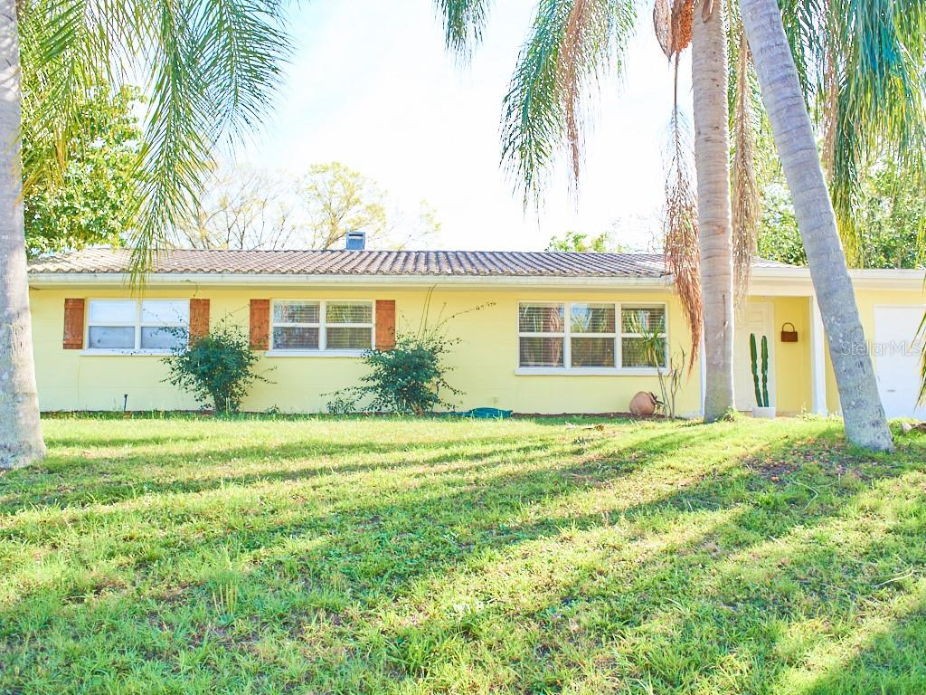 Single Family Home for sale at 2714 Grove St, Sarasota, FL 34239 - MLS Number is A4421986