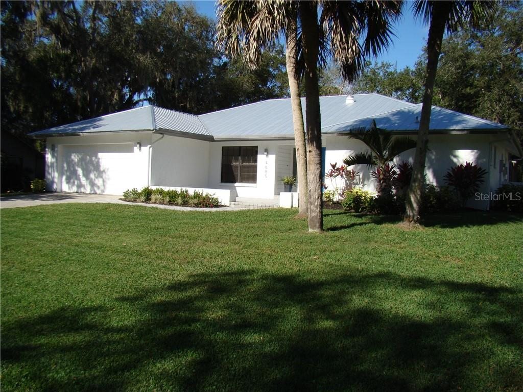 Single Family Home for sale at 4685 Little John Trl, Sarasota, FL 34232 - MLS Number is A4423002
