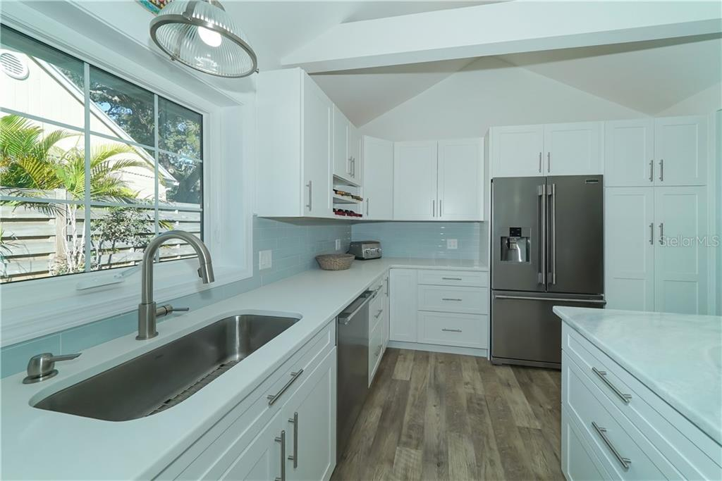 Quartz Countertops! - Single Family Home for sale at 2300 Mietaw Dr, Sarasota, FL 34239 - MLS Number is A4423151
