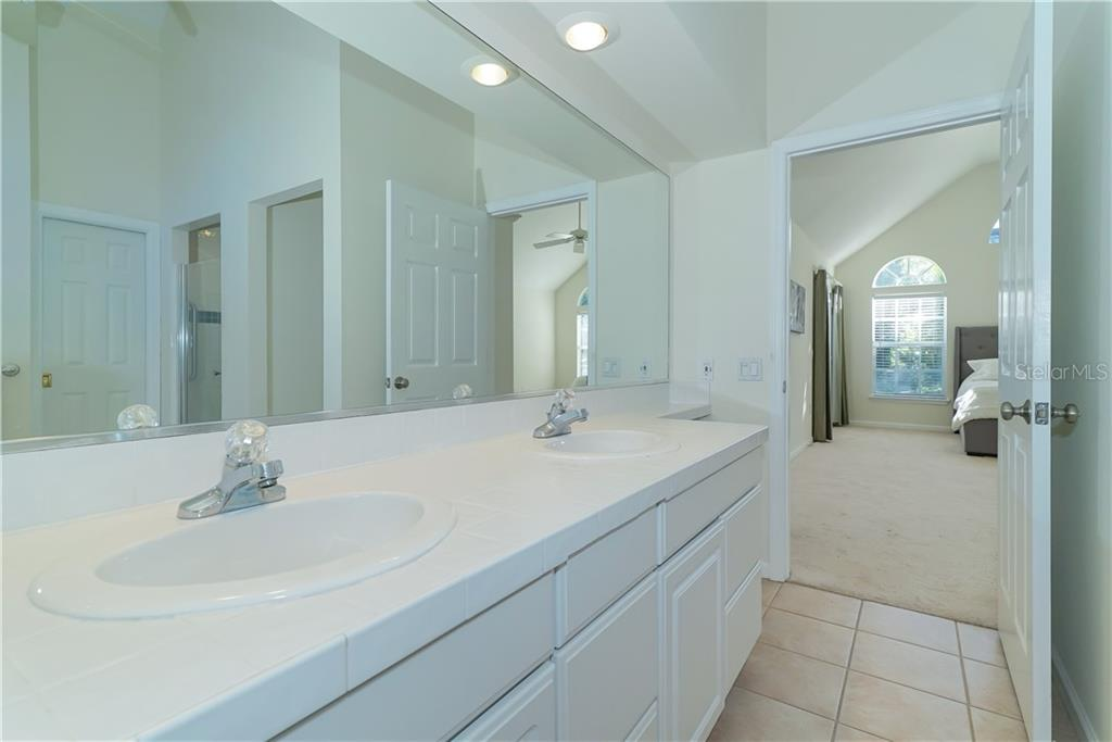 His and Her sinks! - Single Family Home for sale at 2300 Mietaw Dr, Sarasota, FL 34239 - MLS Number is A4423151