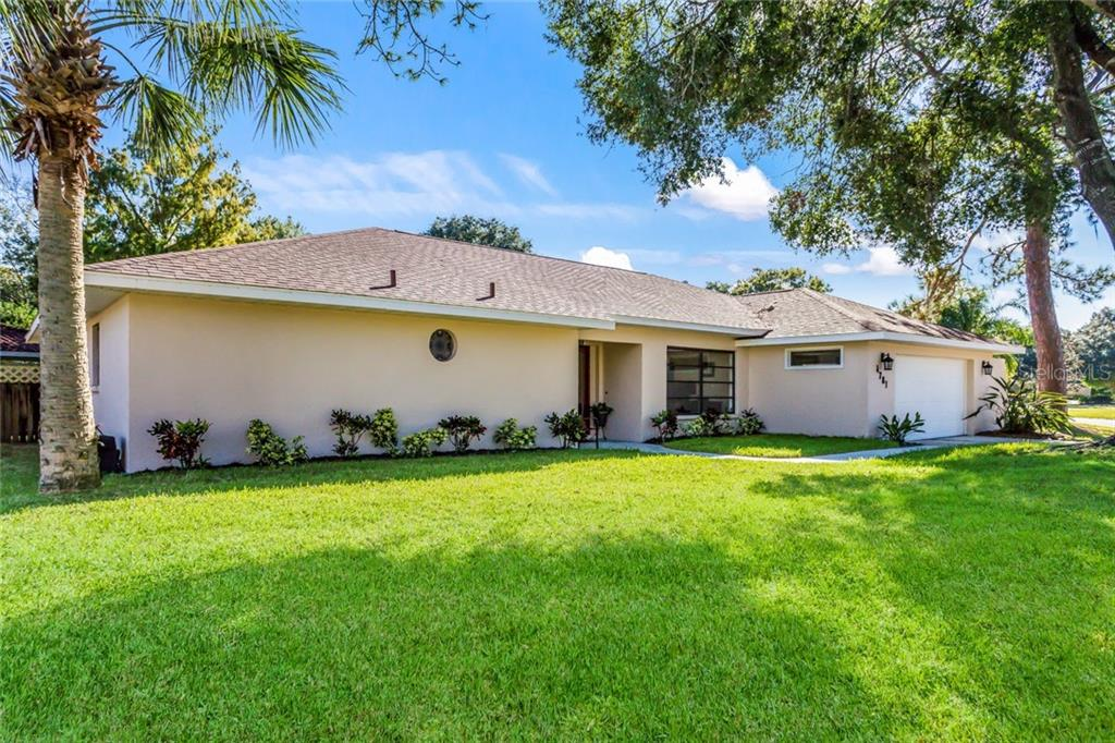 Single Family Home for sale at 4781 Charing Cross Cir, Sarasota, FL 34241 - MLS Number is A4423278