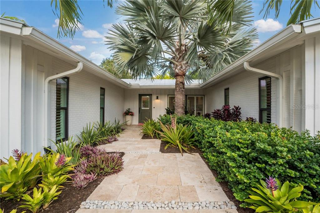 Single Family Home for sale at 6957 Belgrave Dr, Sarasota, FL 34242 - MLS Number is A4423362