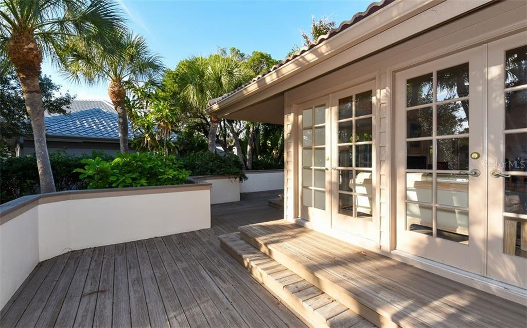 Single Family Home for sale at 3440 Bayou Ct, Longboat Key, FL 34228 - MLS Number is A4423537