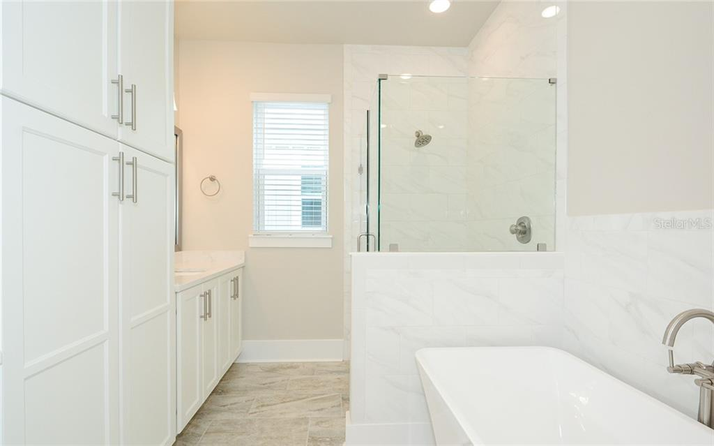 Townhouse for sale at 513 Lafayette Ct, Sarasota, FL 34236 - MLS Number is A4424253