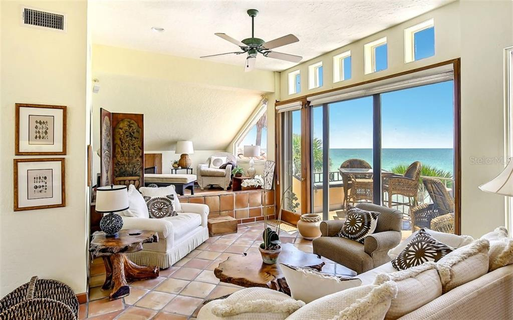 Perfect tropical getaway - Single Family Home for sale at 121 N Casey Key Rd, Osprey, FL 34229 - MLS Number is A4425715