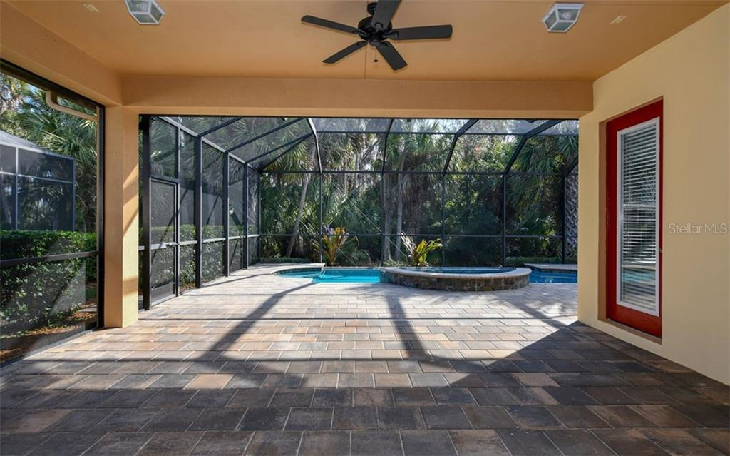 Single Family Home for sale at 915 Preservation St, Bradenton, FL 34208 - MLS Number is A4425961