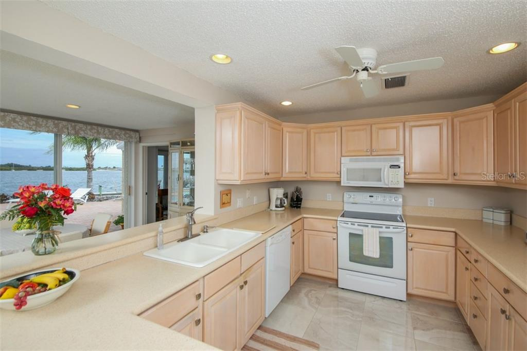 Single Family Home for sale at 5316 Beacon Rd, Palmetto, FL 34221 - MLS Number is A4426033