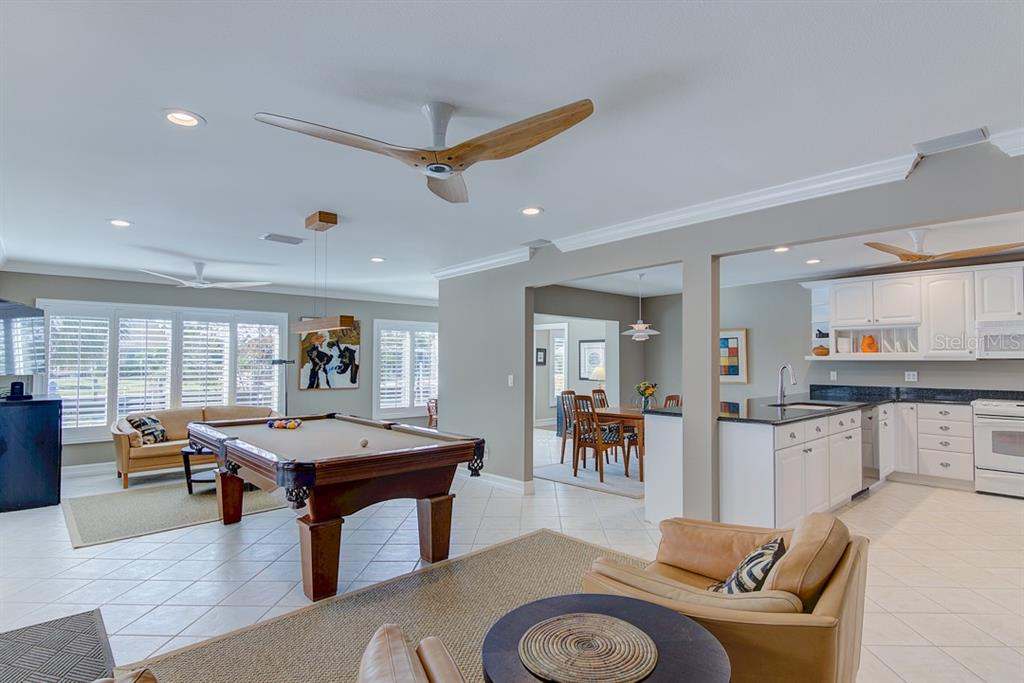 Open Floor Plan - Single Family Home for sale at 622 Dundee Ln, Holmes Beach, FL 34217 - MLS Number is A4426329